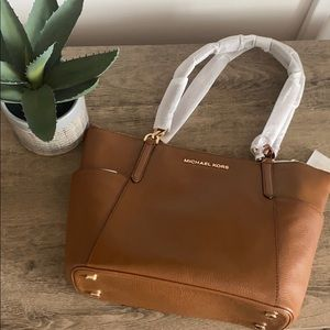 Michael Kors Large Top-Zip Saffiano Leather Tote